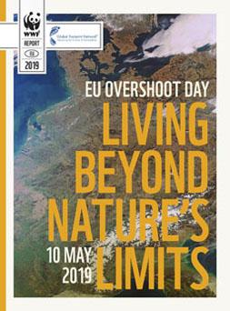 Publikationscover: Im Hintergrund ist ein Luftbild Mitteleuropas und davor in großen Buchstaben der Titel der Publikation.
